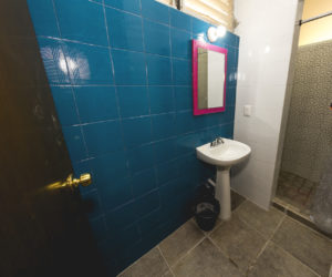 Shared bathroom level 1 (2)