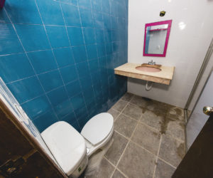 Shared bathroom level 2 (1)