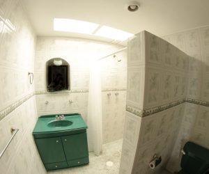 Bathroom 1 (1)