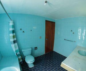 Bathroom 2 (4)