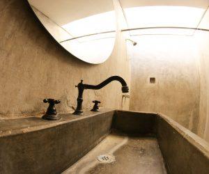 Private Bathroom Room 3 (2)