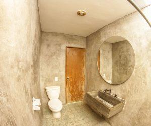 Private Bathroom Room 3 (3)