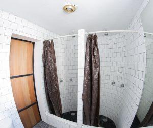 Shared bathroom (1)